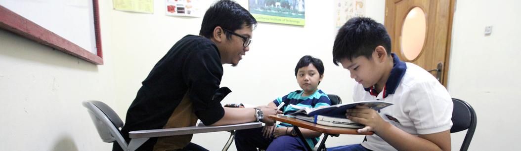 Cara Memotivasi Anak SD Semangat untuk Belajar
